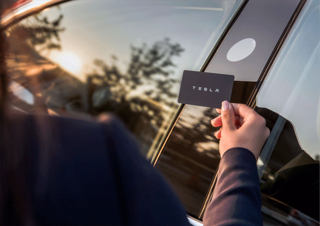 Tesla-Model-3-keyless-factor